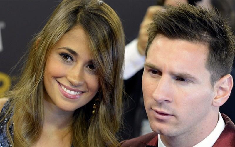 Footballer-Lionel-Messi-And-Antonella-Roccuzzo-A-Beautiful-Couple-Hd-Image